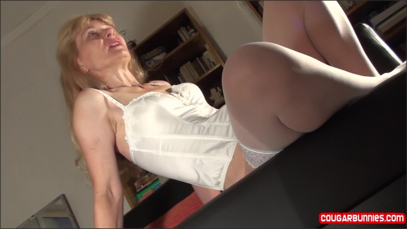 [Full HD] No Bikini No Line Posed Again To Show My Smoother Pussy And Clean Butthole - Doris Dawn - -00:10:55 | Kink, Milf - 358,5 MB