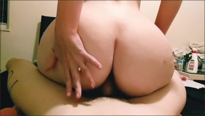 Juicy Fat Ass Makes Me Cum
