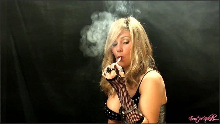 [HD] Eroticnikki Chains Newports - EroticNikki - Amateur - 00:09:54 | Size - 218,9 MB