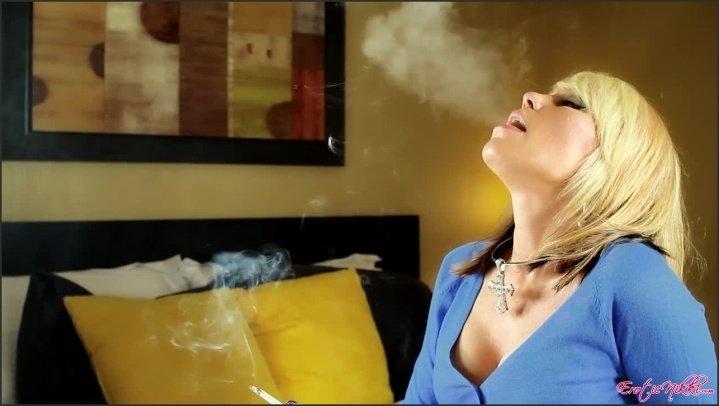 [HD] Eroticnikki Just Smoking - EroticNikki - Amateur - 00:06:03 | Size - 135,2 MB