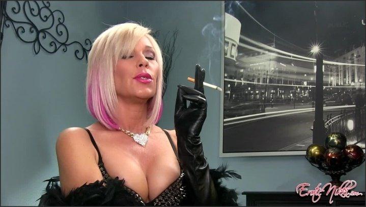 [HD] Eroticnikki Madam Nikki Smoking Saratoga - EroticNikki - Amateur - 00:06:56   Size - 305,9 MB