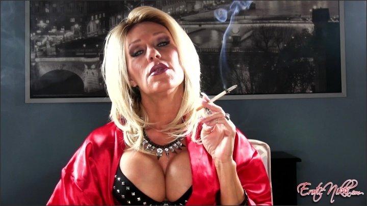 [Full HD] Eroticnikki Saratoga Smoking Milf - EroticNikki - Amateur - 00:07:08 | Size - 402,4 MB