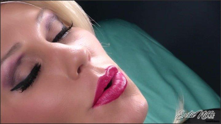 [HD] Eroticnikki Smoking Dsl - EroticNikki - Amateur - 00:05:44 | Size - 251 MB