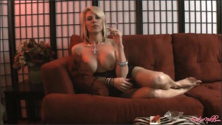 [HD] Eroticnikki Smoking Sexy - EroticNikki - Amateur - 00:06:15   Size - 214,9 MB