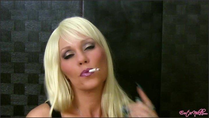 [HD] Eroticnikki Smoking Wig - EroticNikki - Amateur - 00:04:41 | Size - 103,6 MB