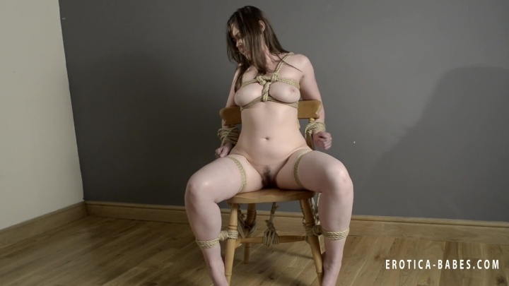 [SD] Eroticababes Clover Tied To A Chair  - EroticaBabes - ManyVids - 00:04:30 | Bondage Restraints, Erotic Nude - 68,2 MB