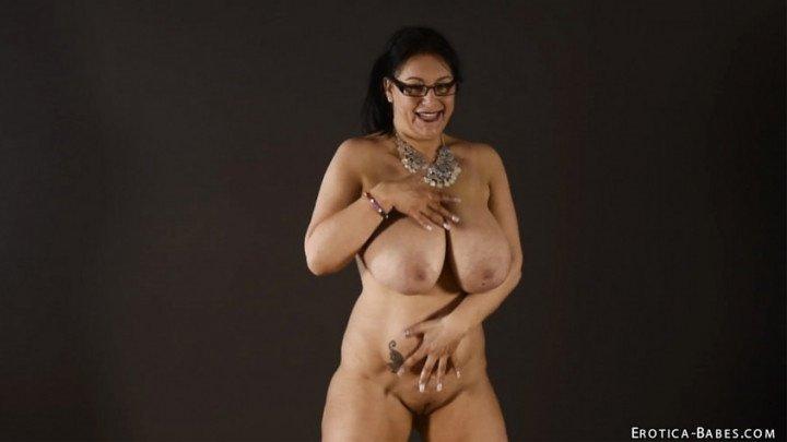 [SD] Eroticababes Sabrina Jade Belly Jiggle  - EroticaBabes - ManyVids - 00:07:31   Erotic Nude, Slow Motion - 184 MB