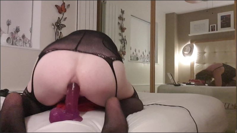 [Full HD] Playing With My Big Purple Jelly Dildo  - Essex_Girl_Lisa - -00:06:44   Glasses, Adult Toys - 191 MB