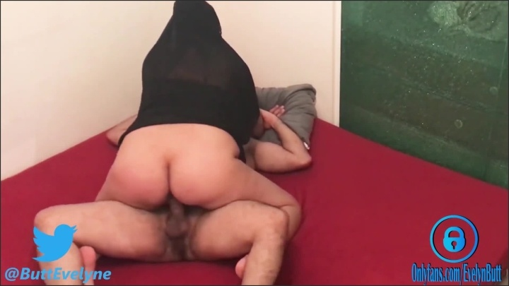 [Full HD] Secretly Fucking And Recording My Hijab Pregnant Aunt - EvelynButt - - 00:11:20 | Milf, Big Ass - 137,9 MB