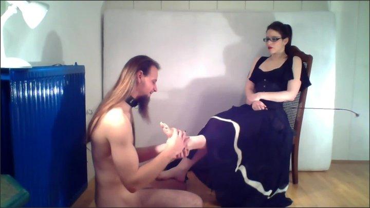[Full HD] Amateur Femdom Fishnet Foot Slave Slave Training Foot Worship High Heels - EvilKitties - - 00:07:32   Verified Amateurs, Painted Toes - 101,4 MB