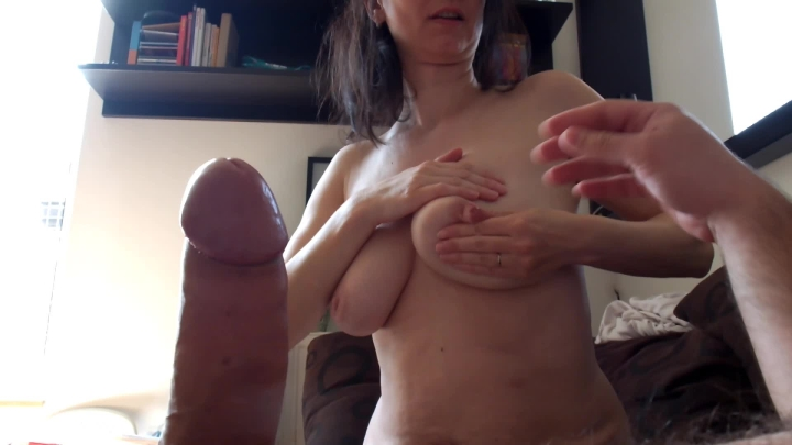 Ewa Foxberry Squirting Milk From Breast