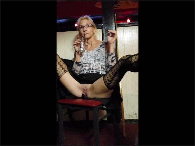[Full HD] Late Night Bar Slut - Fantasymilf67 - -00:10:07   Blonde, Tattoo Milf - 134 MB