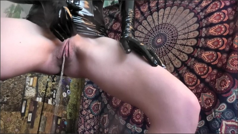 [Full HD] Femdom Whips Slaves Dick And P--Es On It Before Making Him Pleasure Her To Clit Orgasm  - French Temptress - -00:06:55 | Exclusive, Big Clit, Whipping Dick - 224,2 MB