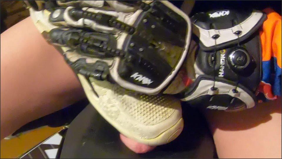 [Full HD] Mx Boot Wank Ktm Exauster Fucking And Jerk Off  - GearBikers - -00:11:39 | Bike, Uncut - 987 MB