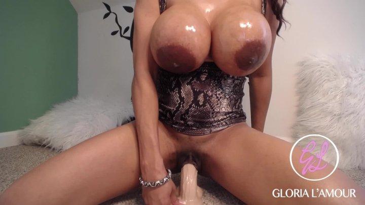 Gloria Lamour Cumming For You