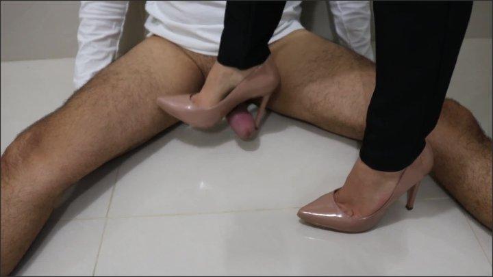 [Full HD] Goddess Jmacc Goddess Jmacc How Transform A Hard Dick In A Soft Dick - Goddess JMACC -  - 00:06:30   Kink, Exclusive, Trampling - 104,6 MB