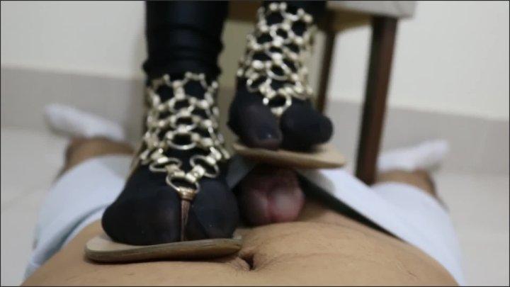 [Full HD] Goddess Jmacc Goddess Jmacc Teasing While I Ignore You - Goddess JMACC -  - 00:11:20   Shoe Tease, Foot Tease - 195,1 MB