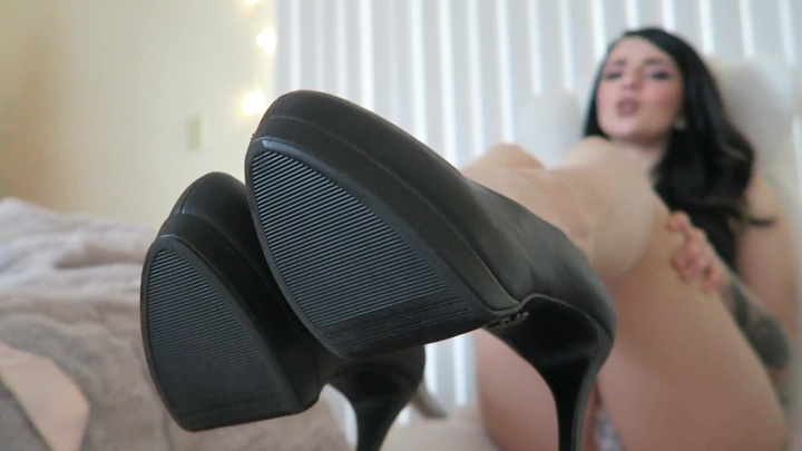 Goddessnicholea Lick Your Cum Off Of My Perfect Heels