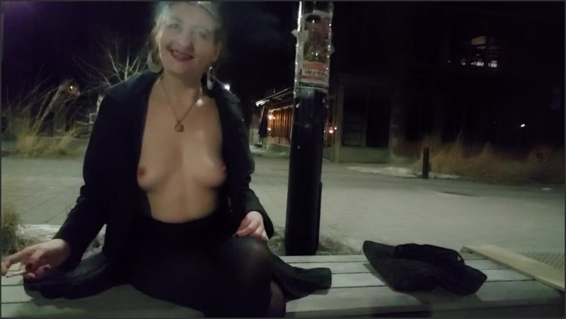 [HD] Inhale 11 Gypsy Dolores Smoking Fetish And Public Nudity In Montreal - Gypsy Dolores - -00:06:59 | Smoking Cigarette, Risky Public Nudity - 68,9 MB
