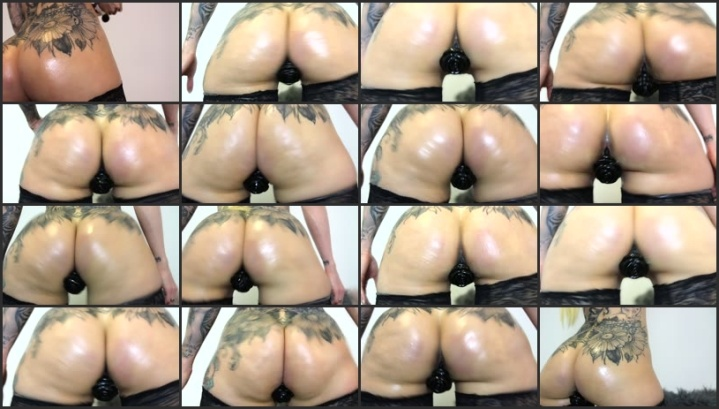 Walmart manager claps oil latina ass naked porn photo