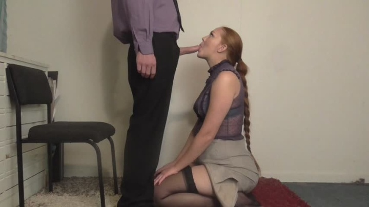 Hippiebees Secretary Gives Deepthroat Blowjob