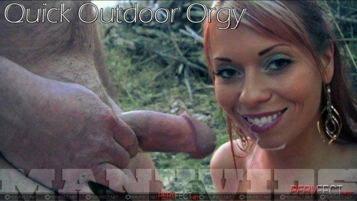 Hollyberryxxx Quick Outdoor Orgy