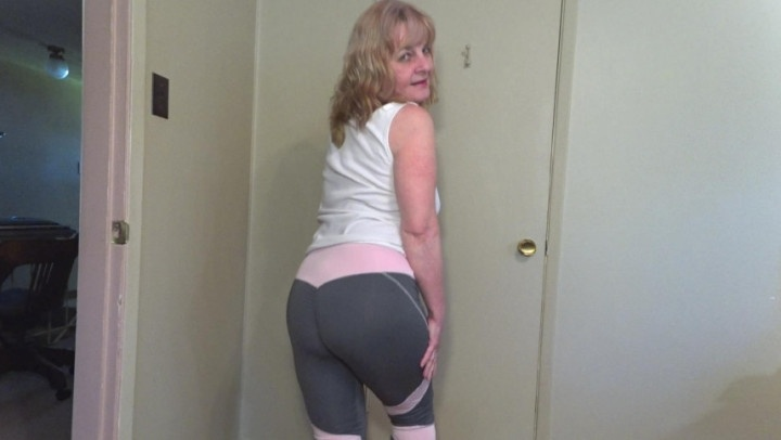 Hotwifejolee Mommy In Yoga Pants Cum Fuck Her