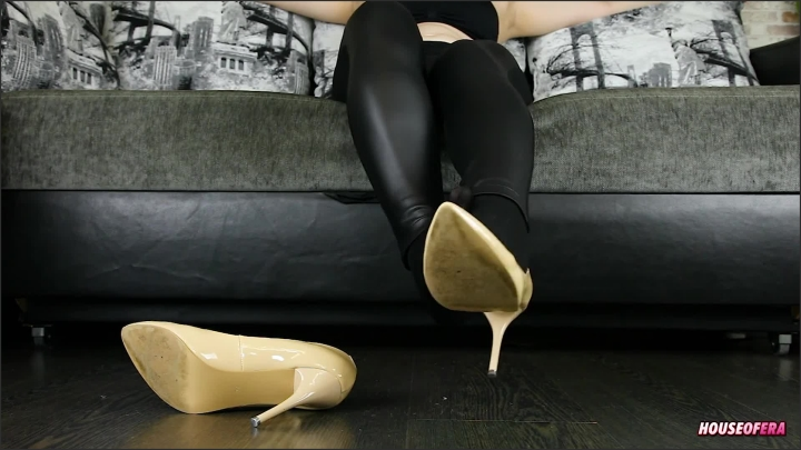 [Full HD] Pump Shoes With Nylon Socks Shoeplay - House Of Era - - 00:11:37   Leather, Nylon Feet - 178 MB