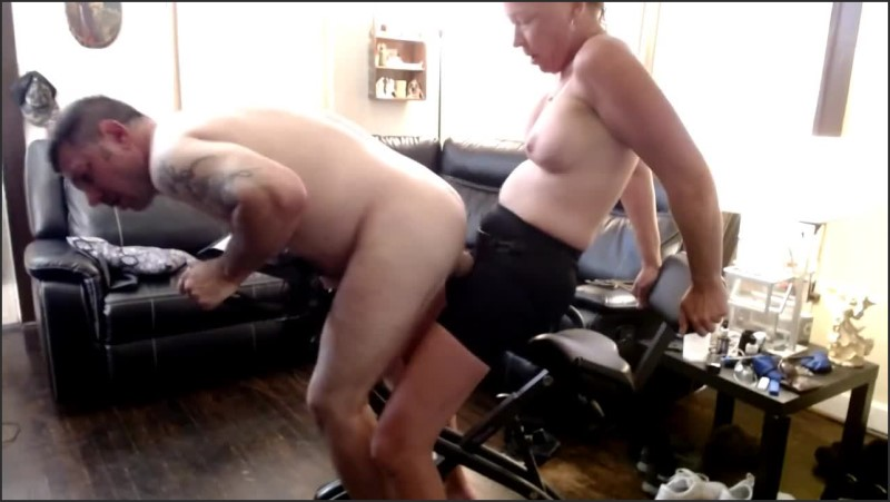 [HD] Amateur Couple Pegging Workout Riding My Strap On  - Injoybacon - -00:06:57 | Sucking Strapon, Pegging - 52 MB