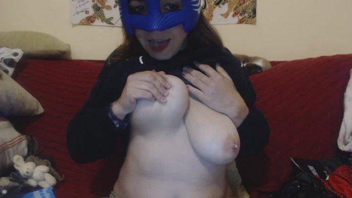 Iris Sadeyes Kitty Milky Tits