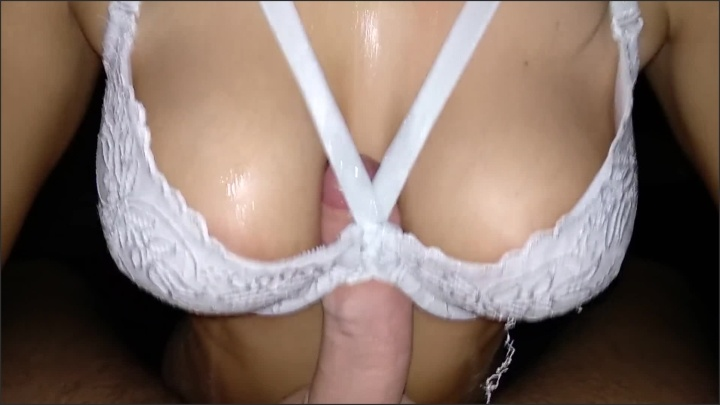 Ishes Titfuck With A Bra Made Of Natural Beautiful Breasts