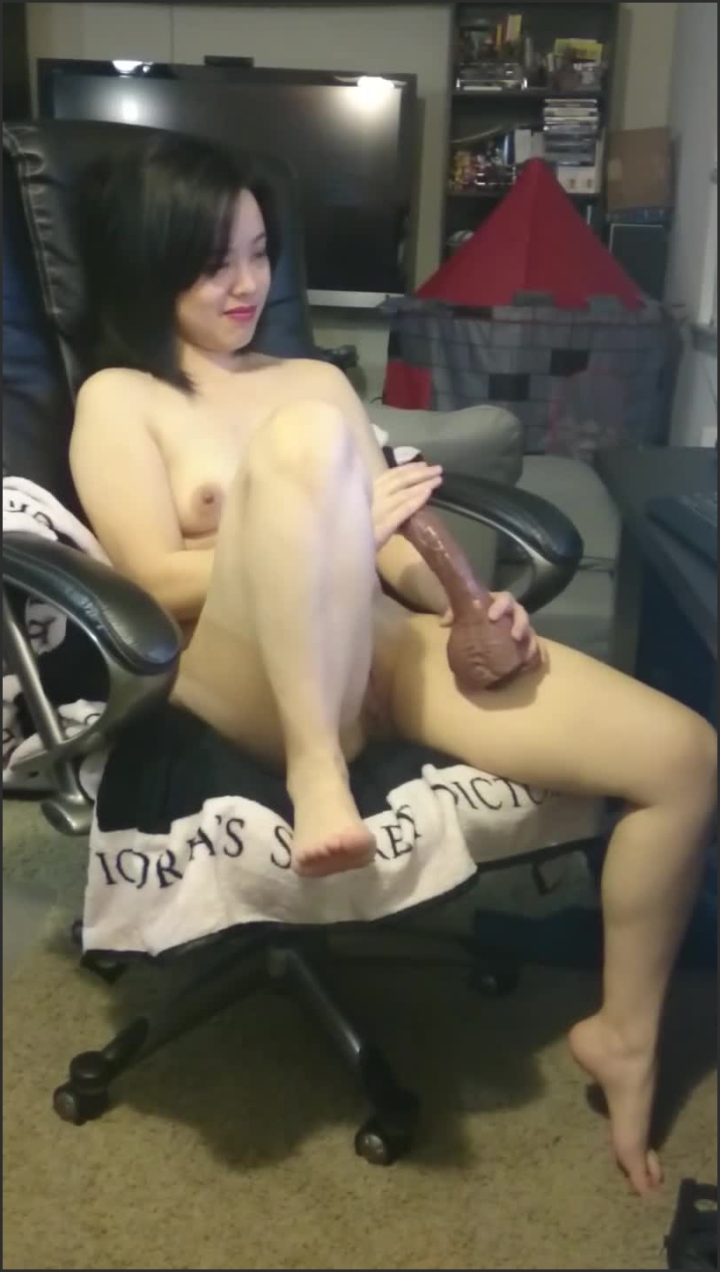 [SD] Jade Chan And Her Toys - Jade Chan - - 00:17:40   Milf, Interracial, Mother - 148,6 MB