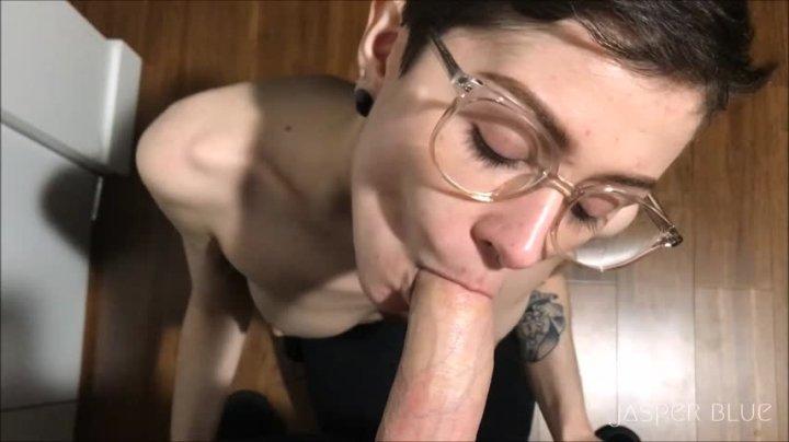 [HD] Jasper Blue Manic Pixie Blowjob Girl  - Jasper Blue - ManyVids - 00:10:22 | Deepthroat, Submissive Sluts, Cum In Mouth - 587,6 MB