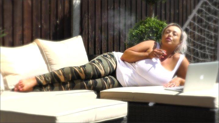 Jemstone Pornstar Smoking Horny British Wife Size