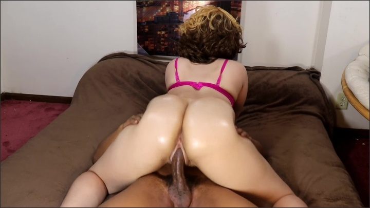 Juicyj1995 Big Booty Blonde Ride S Bbc While Daddy S At Work Perfect Ass