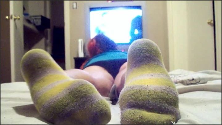 [HD] Goth Girl Dirty Socks Ignore - Jupiter Domina - - 00:08:54 | Feet, Goddess - 121,9 MB