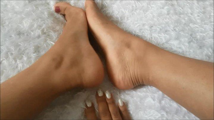 Kaylalouise Foot Tease On Fluffy Blanket