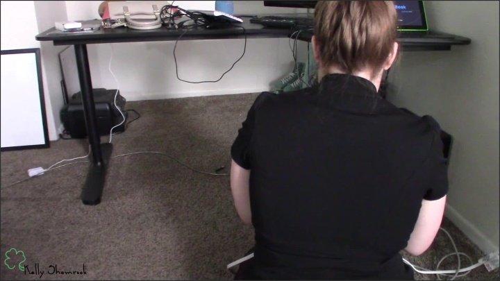 [Full HD] Innocent Secretary S Skirt Slides Up - KellyShamrock - - 00:14:40 | Red Head, Big Tits - 324 MB
