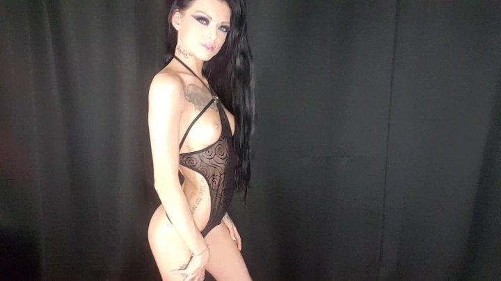 [Full HD] Kimberveilsaz Lingerie Modeling And P-- In The Shower - KimberveilsAZ - ManyVids - 00:17:30   Bra &Amp;Amp; Panties, Strip Tease - 1,7 GB