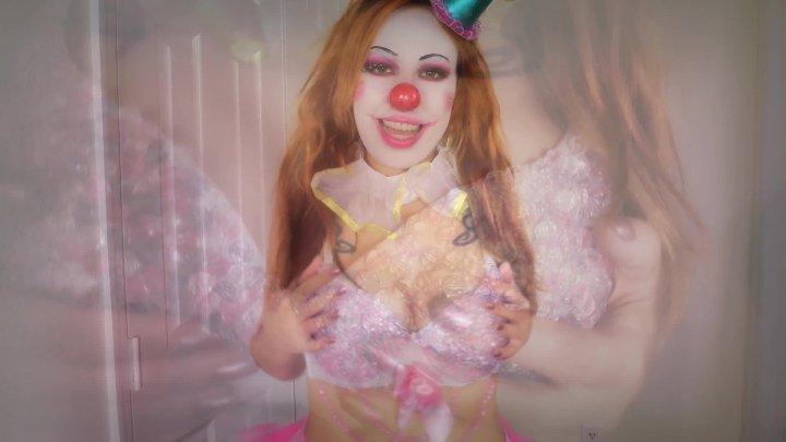 Kitzi Klown Circus Tit Wordhip