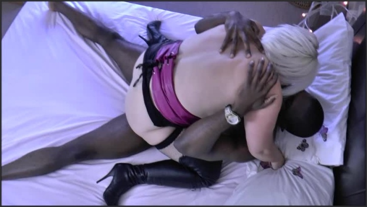 Laceystarr Taken Hard By Young French Stud