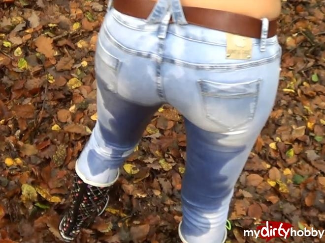 1337881-Wahnsinns-Jeans-Piss-Mit-Geilem-Facial-Quickie