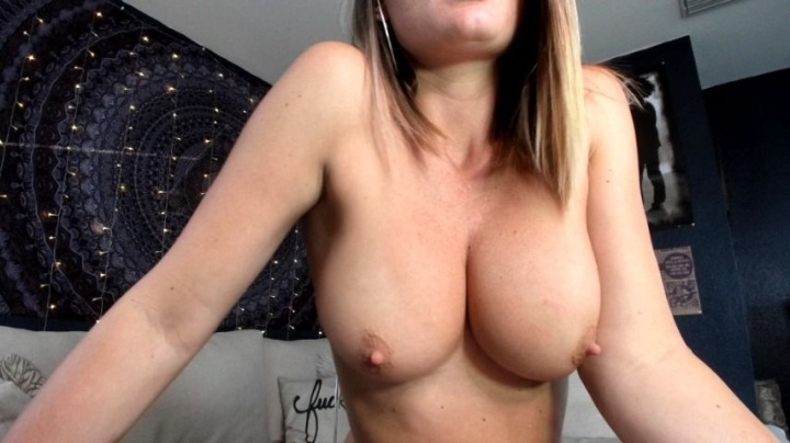 Lauranvickers Mommys Tits