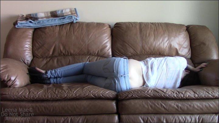 [Full HD] Loud Couch Nap - Leena Mae - - 00:06:49   Ass Fetish, Latina, Teenager - 321,7 MB