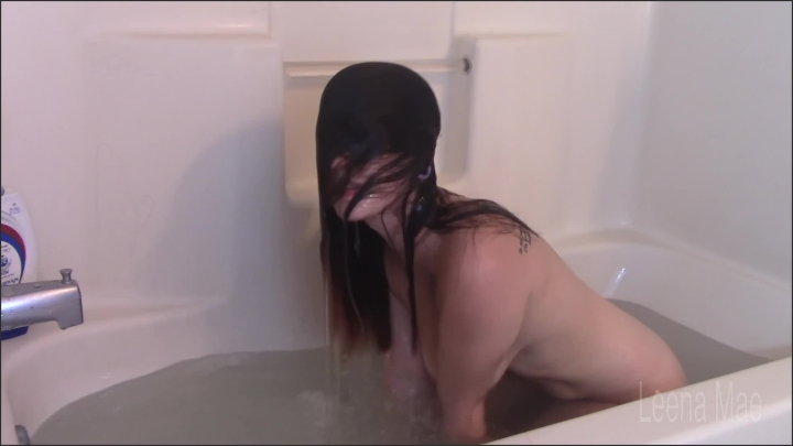 [Full HD] Washing My Hair Underwater - Leena Mae - - 00:15:53 | Amateur, Wet Hair, Old/Young - 447,6 MB