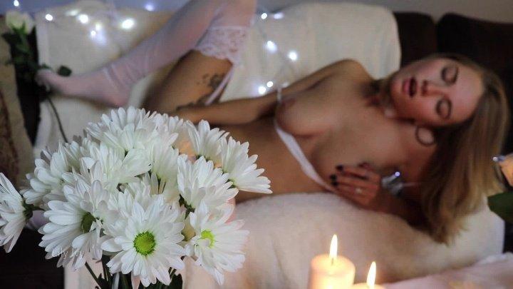 Lilyivy White Magic Artsy Orgasm