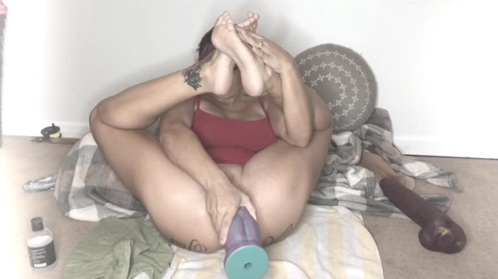 Lilyskye Ass Fuck With Mr Hankeys Toys