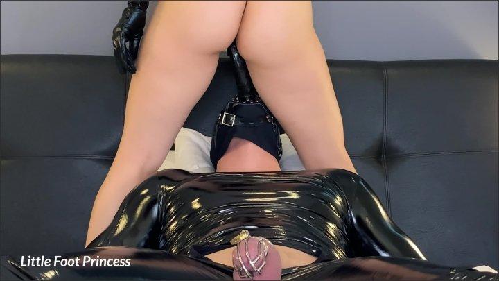 [WQHD] Cumming On My Slave S Face Strapon Little Foot Princess - Little Foot Princess - - 00:11:21 | Facesitting, Amateur, Femdom Face Dildo - 340,7 MB