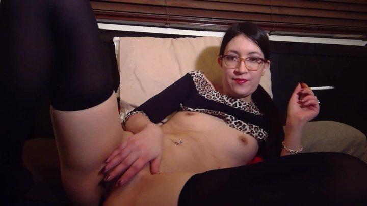 Liz Lovejoy Hot Asian Cums Amp Smokes Smoking Smoking