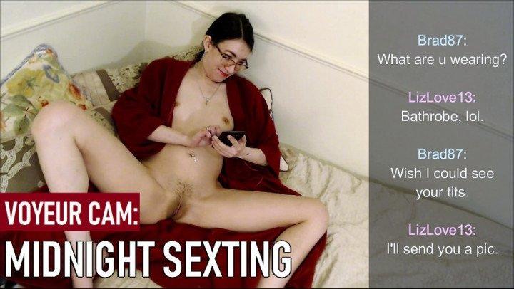 Liz Lovejoy Midnight Sexting Voyeur